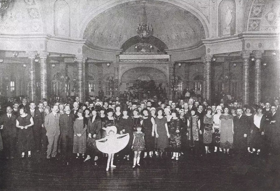 Russian Ball in the Majestic Hotel, c. 1929. Image: V. D. Zhiganov Russians in Shanghai (1936), in  Katya Knyazeva's  Shanghai Architecture Series in Magazeta [online] https://magazeta.com/2019/04/arc-majestic/  (2019)